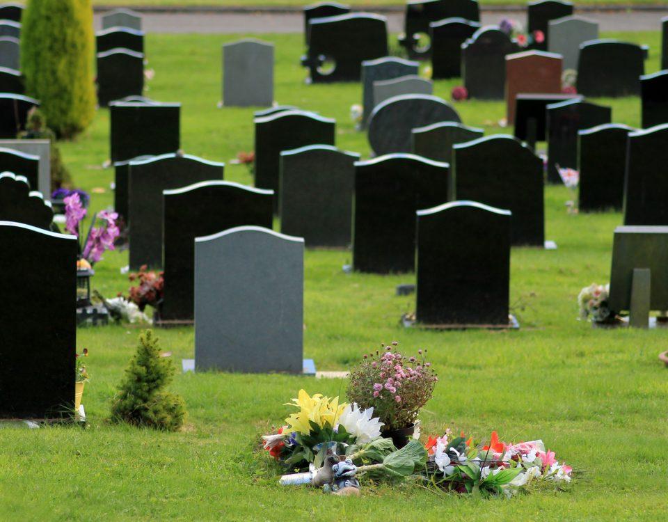 Cimetière, Carte de décès